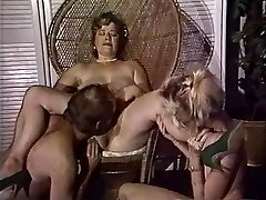 Chubby mommy gets her pussy fisted by friends