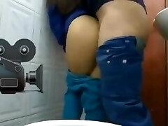 Turkish wc porn-türk hemşireyi tuvalette sikiyor