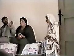 Pakistani Lahore Aunty Penetrate With boy