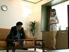 Jinguji Nao banged by stranger