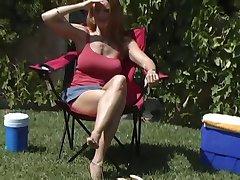 HOT MATURE MOM LOVES COCKS!!!