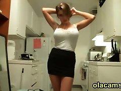Sexy teen blonde big-tits strip