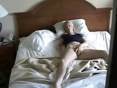 Hidden cam catche my young aunt masturbating