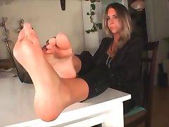 Fanny's feet 2