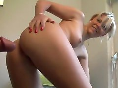 Hot Blonde Amateur Babe Filled With Cum