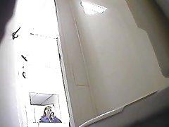 Djevojke pissing pod soba-2
