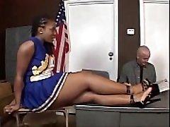 Tara - Ebenholz Cheerleader