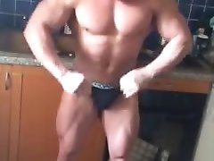 Bulgare escorte gay Georgi flexion