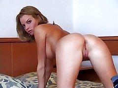 Compilation of dilettante ladies bending over
