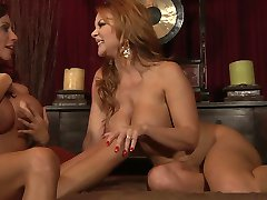 Ariella vs. Janet- Divine Lezzy Sex