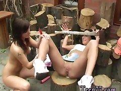 Κινούμενα σχέδια teen ξύλο Κοπής και γλείφει το μουνί