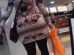 큰 엉덩이 팬티 스타킹 섹시한중년여성에서 스커트
