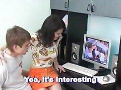 Bror og Søster Ser på Porno, og Gjør Det Samme