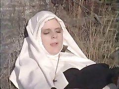 था nonnen machen में मरने zonne