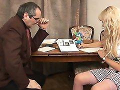 Suullinen stimulaatio stimulaatio kiimainen opettaja