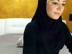 तेजस्वी अरबी सौंदर्य कैमरा पर Cums