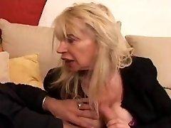 FRANSK MODNE n40 blonde stygg moms vieille salope