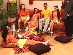 Schulmadchen im Reifetest - voll Deutsch Film