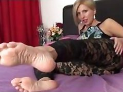 sexy lady webcam feet