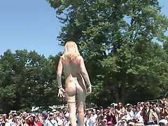 Amateur Stripper Contest - DreamGirls
