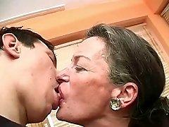 Kyssing Bestemor