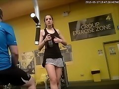 Gym Superslut Puts On A Sexy Flash