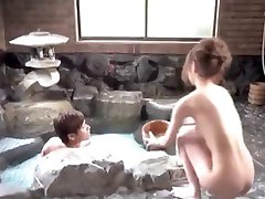 Cute Asian girl took bath with man UNSENSORED