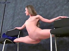 flexible girl Margo clip04 part02