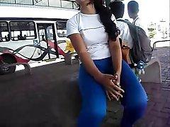 Cameltoe de novinha estudante colegial