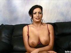 Vannah Sterling crema después de rough anal y garganta joder