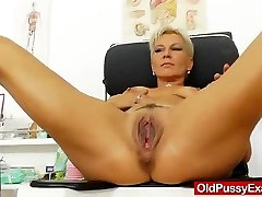Blondes mamma gyno in addition to a little additional