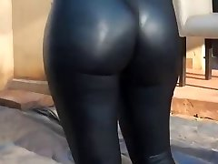 Hot ass and stretch pants