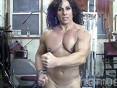Annie Rivieccio Bare Lady Bodybuilder in the Gym