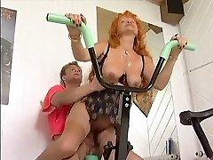 Redhead mature Workout Enjoy