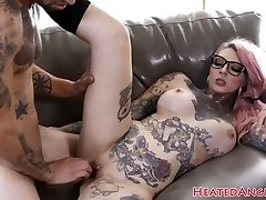 Tattooed goth slut gets her pussy drilled