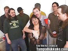 Susie Gang Bang Bukkake Párty pro Tampa Bukkake