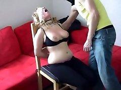 Guy smacks his girlfriend's tits and face - negrofloripa