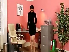 Secretary in mind-blowing black heels masturbate
