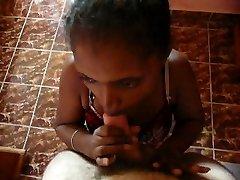 黑色的青少年女佣sucl我在酒店马达加斯加2