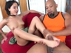 Mia Austin Receives a Foot Worshipping and Slit Pounding