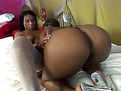 Black lesbo showdown