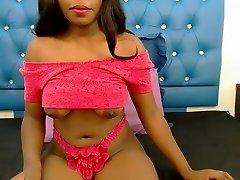 Sexy ebony with nice udders