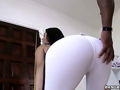 Sporty and fit Valentina Nappi blacked brutally in xxx clamp