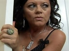 Mature scorching and ready gulps some black dick