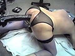 Anal Huge Faux-cock Machine