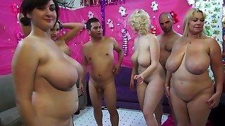 Plus-size Samantha & Friends