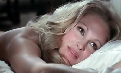 Beautiful homemade Celebrities, Blonde porn clip