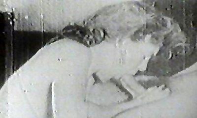 Hot slut sucking vintage weenie