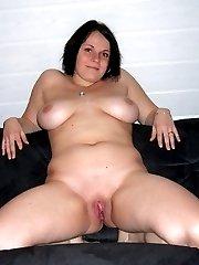Nice chubby shows us her body set