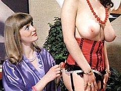 Two retro girls threesome